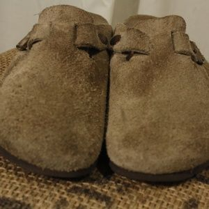Birkenstock Boston's Suede Taupe Clogs